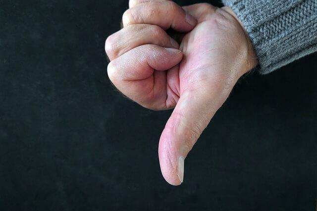 swędzenie dłoni przyczyny